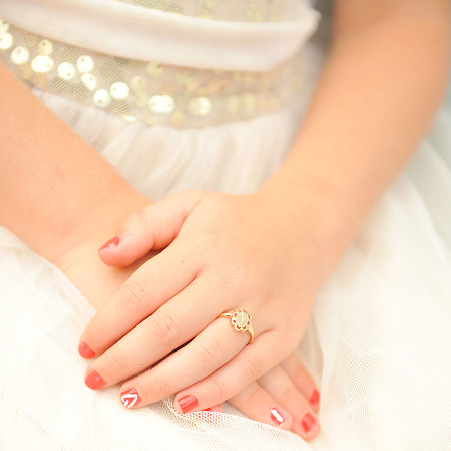 Engravable signet rings for girls