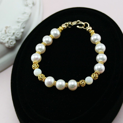 Exquisite Josephine - 22K Gold - Baby / Little Girl Fine Pearl Bracelet