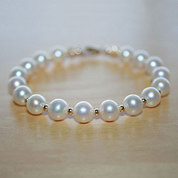 Avery James - Little Girl Pearl Bracelet - 14K Gold/