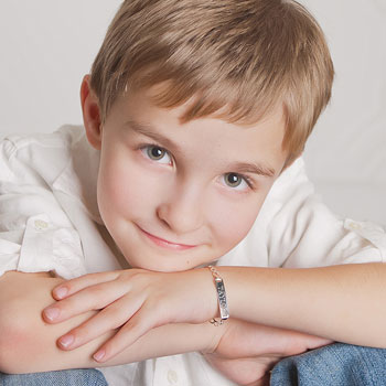 "Boy's Jewelry Favorite - Boys Personalized Silver Bracelet - Engravable on front and back - Size 6"" (3 - 9 years)"
